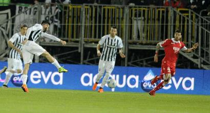 Serie B, l'Ascoli ora ci crede: battuto il Bari