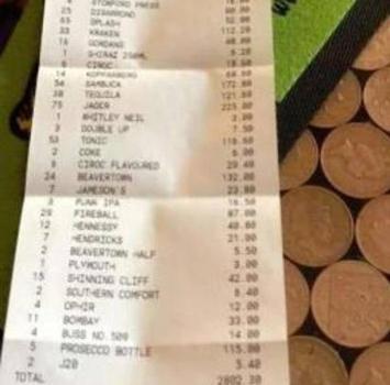 Deby County, festa alcolica per la finale: 206 birre, 75 amari, vino, liquori...