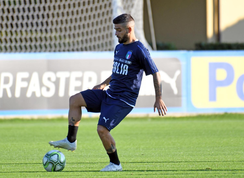 Primo giorno di ritiro per gli azzurri di Mancini a Coverciano in vista dei prossimi impegni della Nazionale.