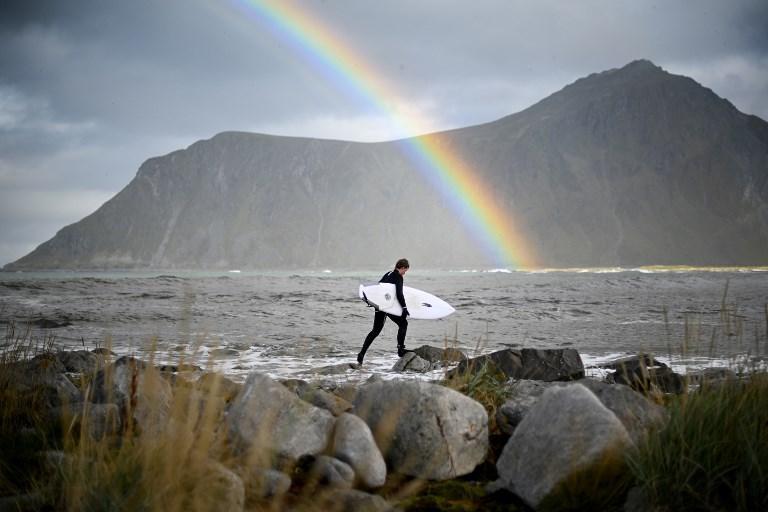 Anker Olsen Frantzen valuta l'acqua prima di affrontarla prima del Lofoten Masters (26 settembre)
