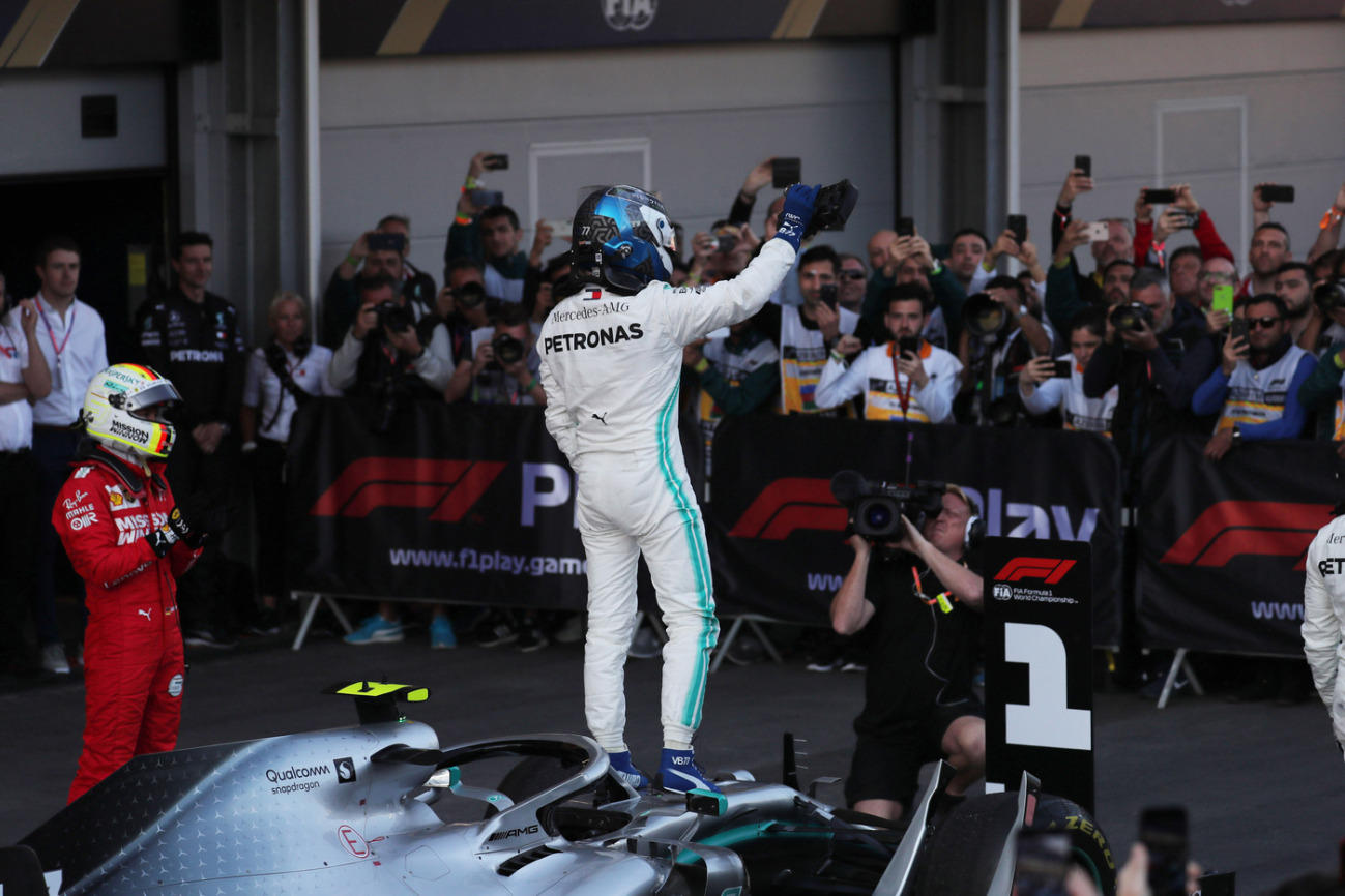 Quarta doppietta consecutiva per le Frecce d'Argento: Bottas batte Hamilton