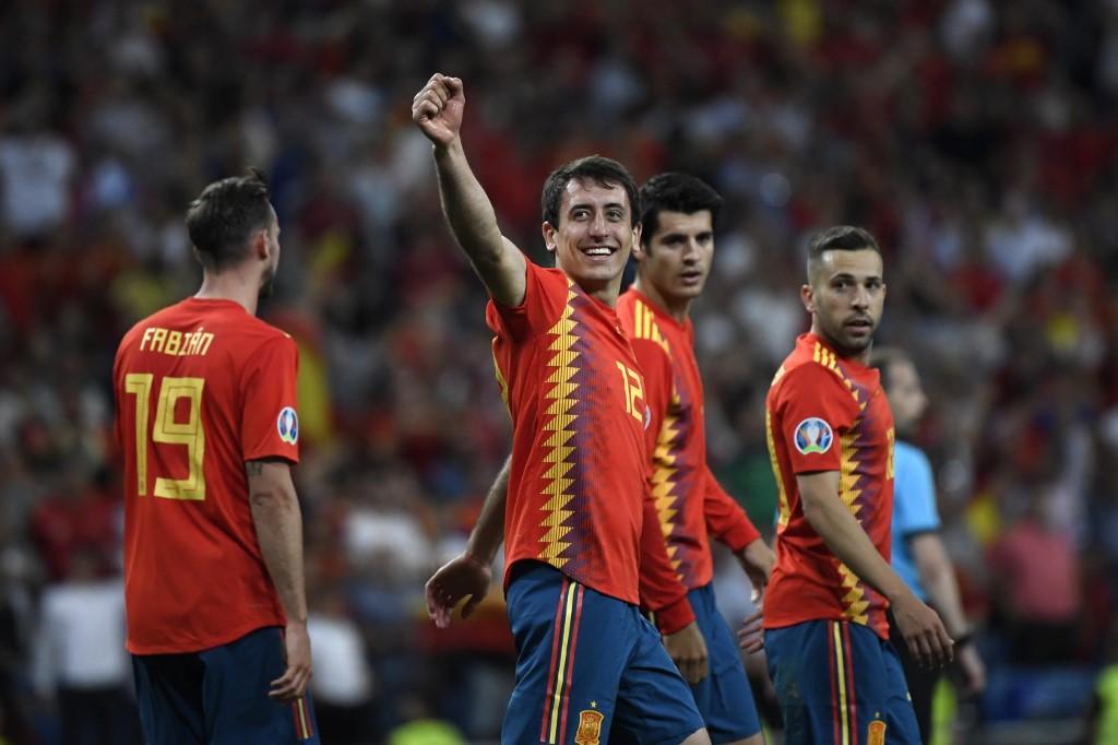 """La Spagna continua la sua marcia trionfale nel gruppo F di qualificazione a Euro 2020. Al """"Santiago Bernabeu"""" di Madrid, le Furie Rosse battono 3-0 la..."""