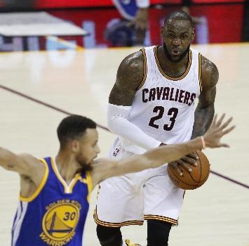 """Nba, LeBron: """"Io ai Warriors? Sono scoppiato a ridere"""""""