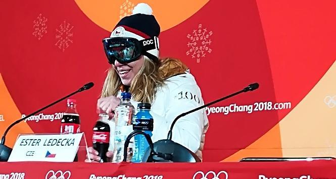 PyeongChang: Ledecka mascherata in conferenza stampa