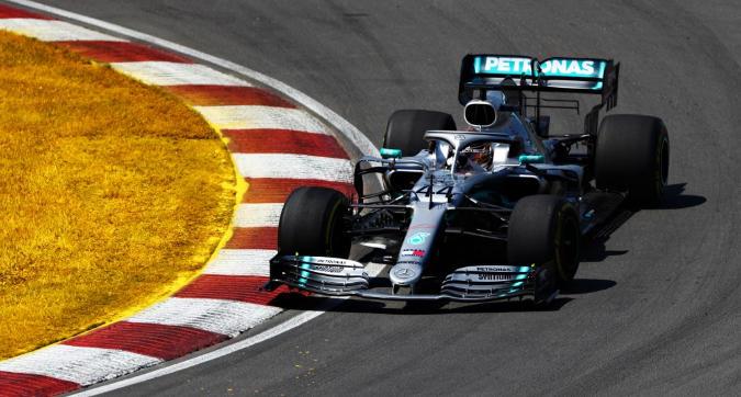 F1, Hamilton vince in Canada