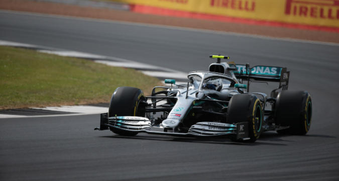 F1, dominio Mercedes in FP2