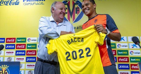 Il Villarreal presenta Bacca