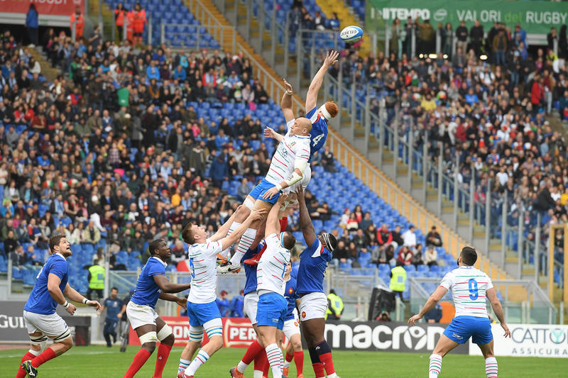Rugby, anche la Francia fa piangere l'Italia