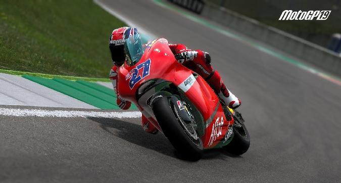 Con MotoGP 19 il passato torna in pista