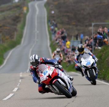 Dunlop e Guy Martin