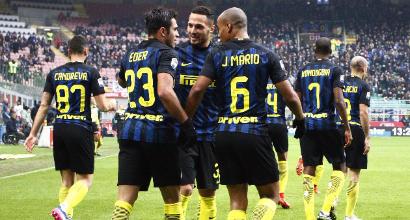 Inter, Eder e Joao Mario si ribaltano con la moto d'acqua
