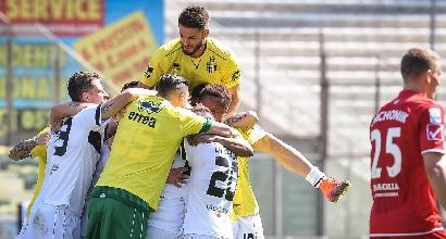 Serie B: Parma e Palermo non sbagliano, Venezia ok