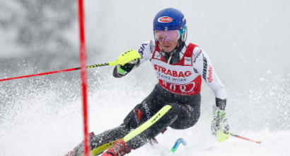 Sci, Shiffrin imbattibile in slalom