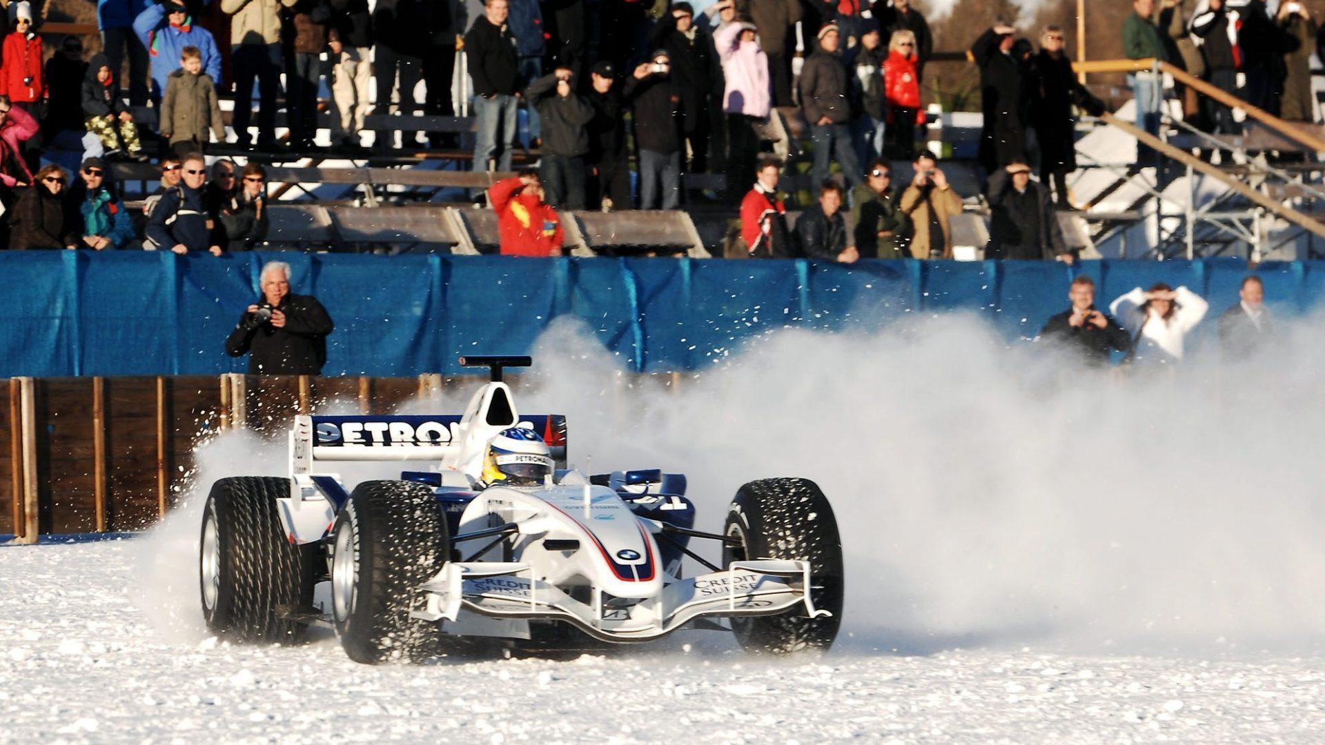 Nel 2007 Nick Heidfeld a St Moritz alla guida della BMW Sauber.