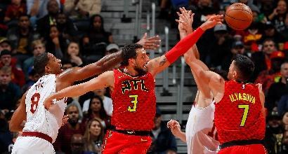 NBA: LeBron James manda al tappeto Belinelli, Cleveland travolge Atlanta