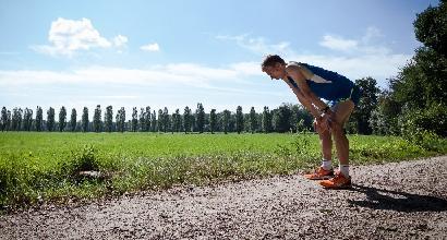 Un classico problema del runner: il dolore al fianco destro! Ecco perché viene e come intervenire