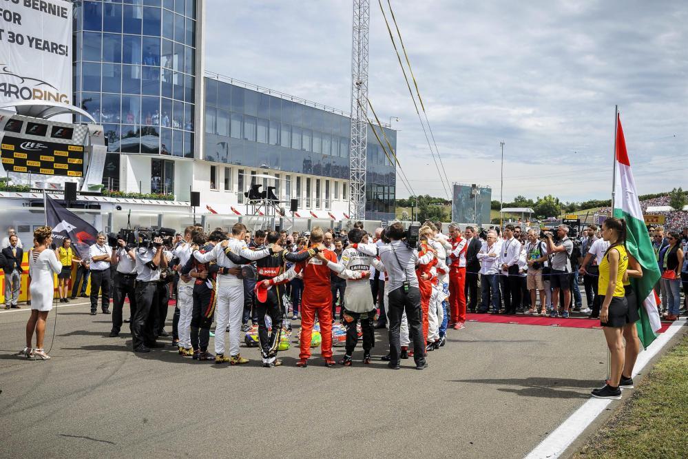 F1, piloti in cerchio per onorare Bianchi