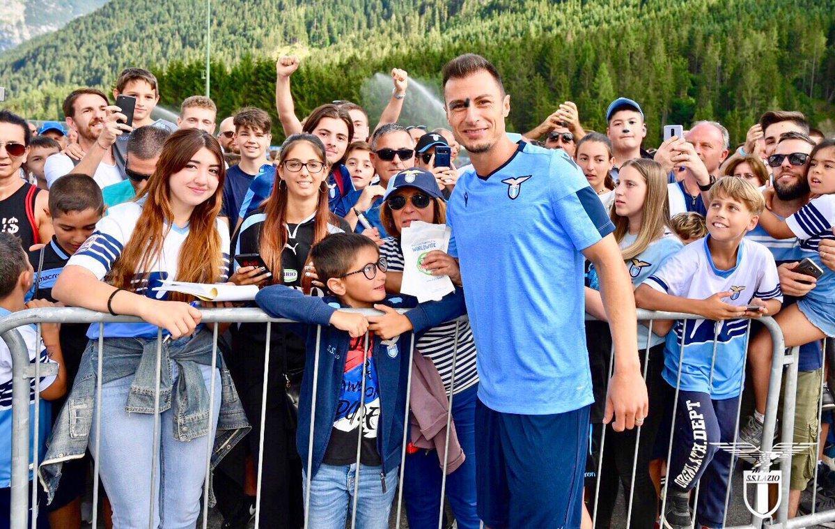Lazio, Radu reintegrato: la squadra lo accoglie così, le foto