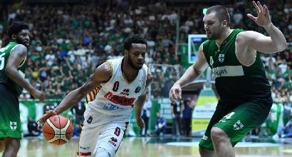 Basket, Serie A playoff: Venezia sbanca Avellino all'ultimo respiro e pareggia i conti