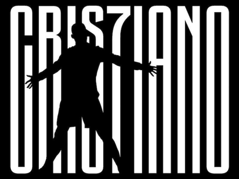 10 luglio - Alle 18.53 la Juve annuncia ufficialmente l'acquisto di Cristiano Ronaldo