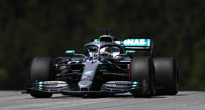 F1, Hamilton davanti a Vettel