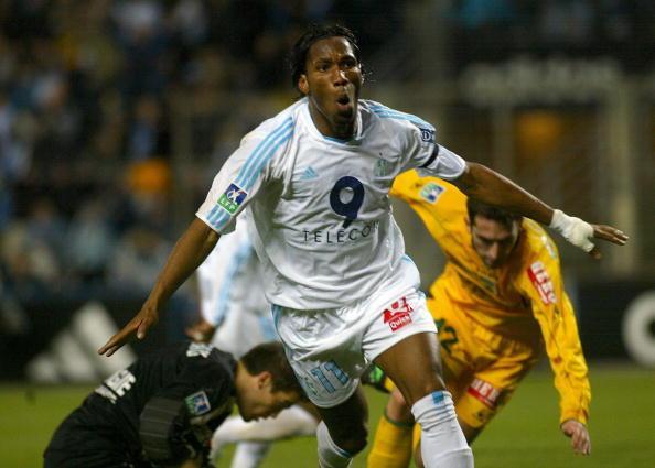 Il Marsiglia lo nota subito e lo ingaggia nel 2003-04: 55 partite e 32 gol nella stagione 2003/04