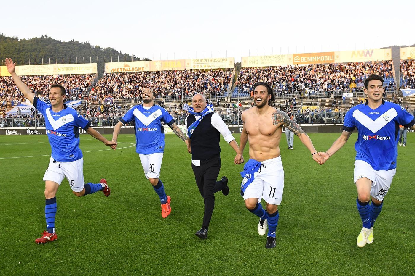 Il Brescia batte 1-0 l'Ascoli e torna in Serie A dopo 8 anni con due giornate di anticipo sulla fine del campionato di serie B.