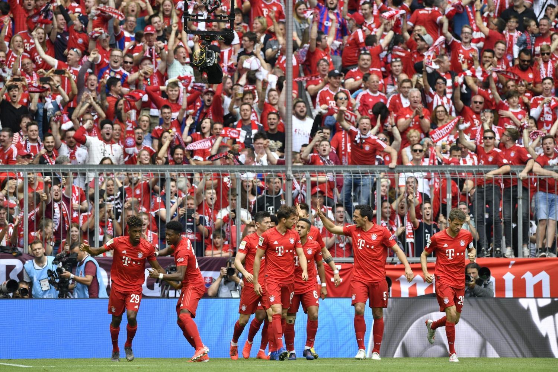 Il Bayern Monaco conquista il settimo titolo di Germania consecutivo. La squadra di Kovač passeggia contro l'Eintracht: in rete Coman (4'), Alaba (53'...