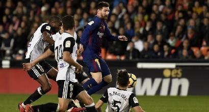 Liga: Jordi Alba salva il Barcellona tra le polemiche