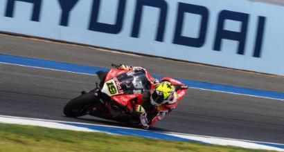 Superbike Thailandia, Bautista sa solo vincere: sua anche la Superpole Race