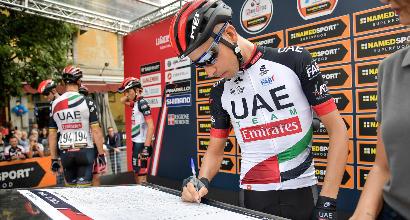 Ciclismo, stop per Aru:si opera e salta il Giro d'Italia<br />