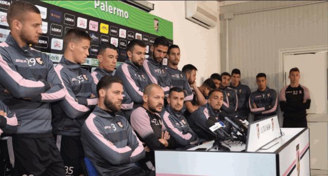 """Palermo, squadra al contrattacco: """"Rivendichiamo il diritto a giocare"""""""