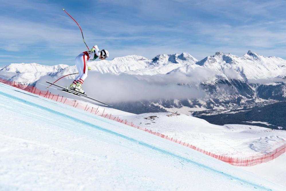 Ai Mondiali di Saint Moritz, nella seconda prova cronometrata della discesa libera femminile, la slovena Ilka Stuhec ha chiuso davanti a Fabienne Suter e Christine Scheyer. Tra le italiane spicca Sofia Goggia, settima, che ha preceduto Lara Gut.Quarta Lindsey Vonn.
