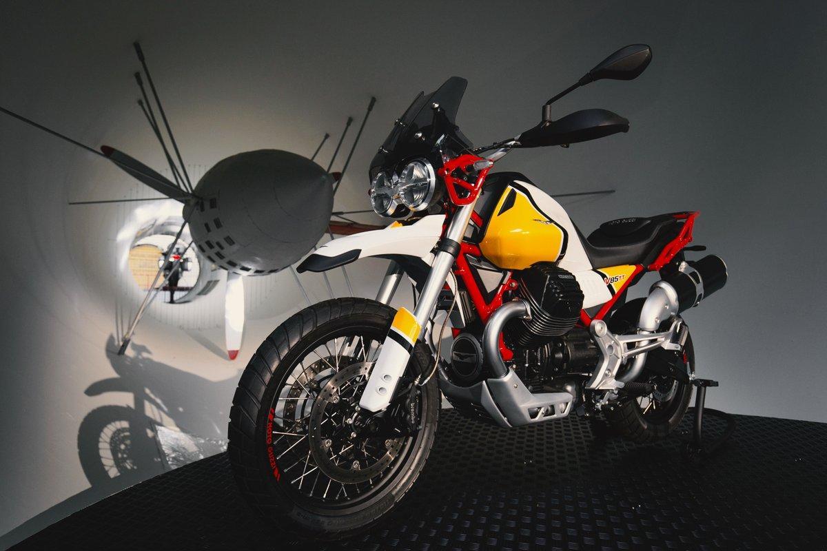 Moto Guzzi V85 TT, la classic enduro