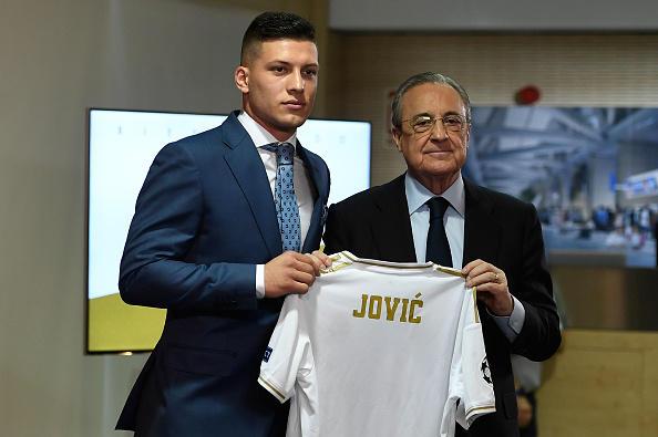 Real Madrid, presentato Luka Jovic