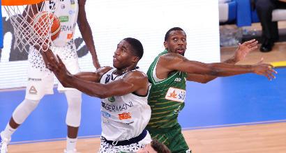 Basket: Venezia domina a Trento e vola in vetta, Avellino al fotofinish su Brescia