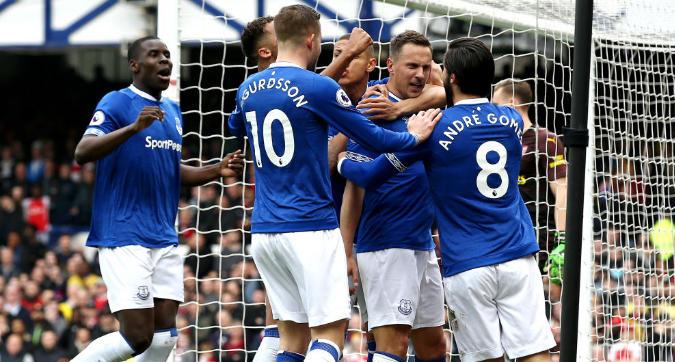 Premier League: l'Arsenal pensa al Napoli, l'Everton vince con Jagielka