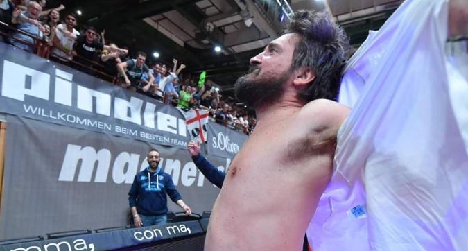 Basket: trionfo Sassari in Euro Cup, Pozzecco scatenato