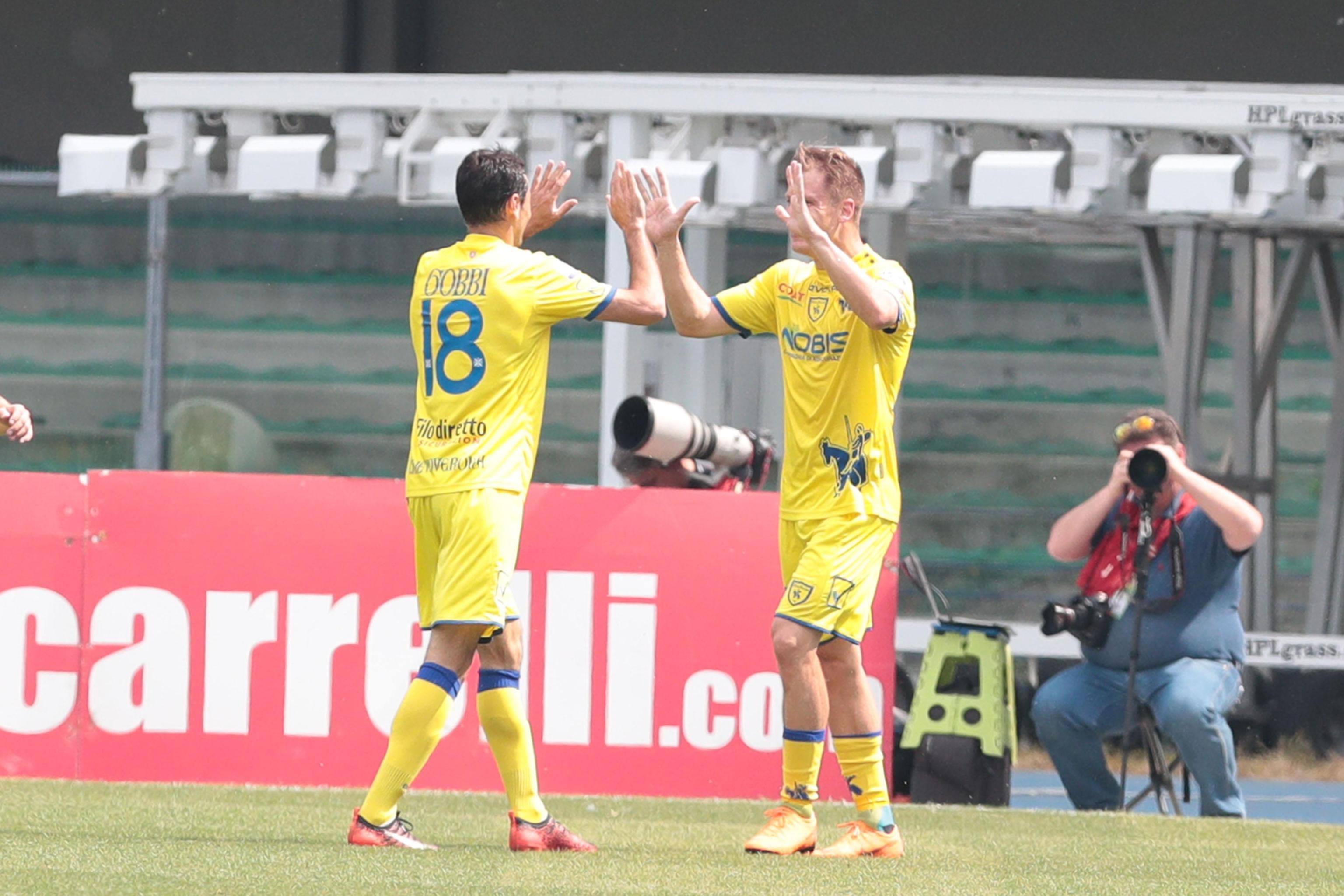 Chievo, tre punti salvezza: 2-1 al Crotone