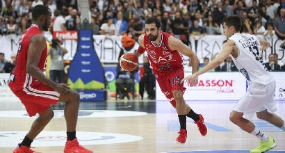 Basket, Serie A: Aquila in volo, Olimpia ko
