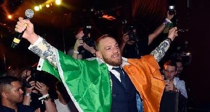 Conor McGregor assalta un pullman