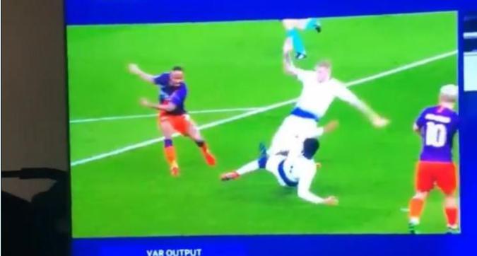 Rigore in Tottenham-Manchester City, Musacchio ripensa ad Alex Sandro...