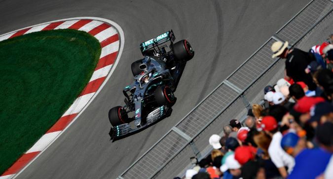 F1, dominio Mercedes nelle Libere 1