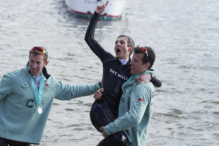 Cambridge vince la regata sul Tamigi