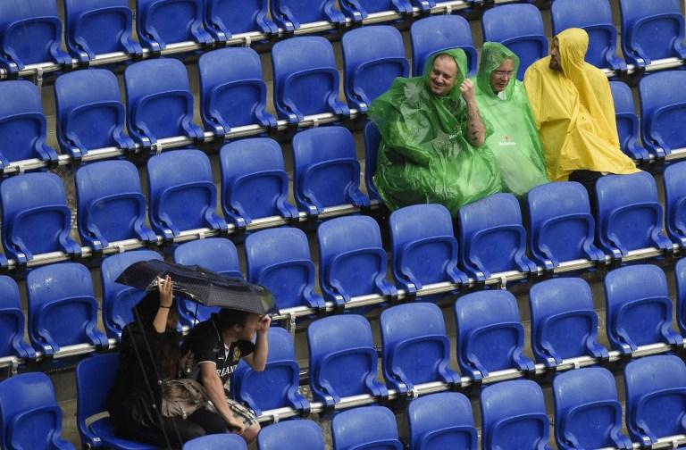 Euro 2016, la grandine interrompe Ucraina-Irlanda del Nord
