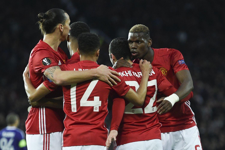 E. League, United in semifinale