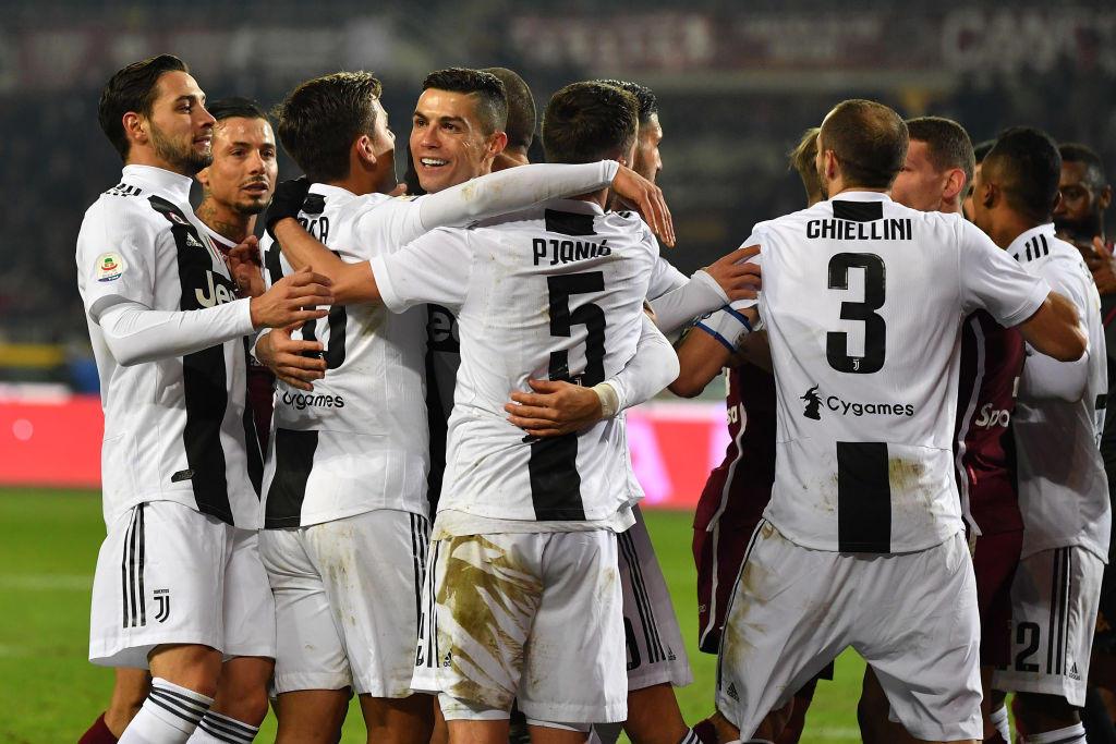 La Juventus ha riscritto il contratto con Adidas portandolo da un minimo garantito di 23 milioni a 51 a stagione più royalties con scadenza nel 2027