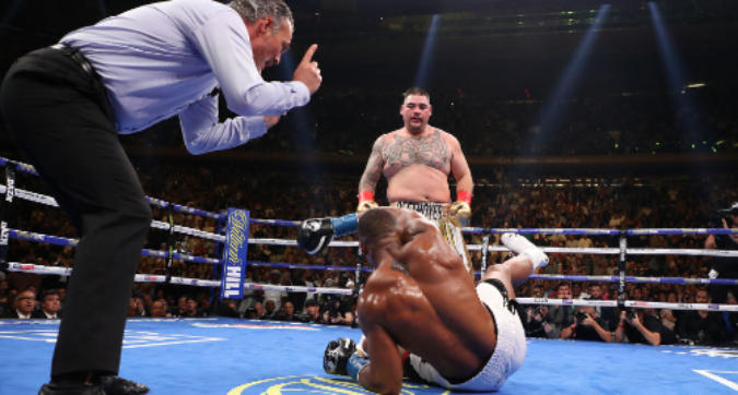 Boxe, sorpresa clamorosa: il semisconosciuto Ruiz ha demolito Joshua