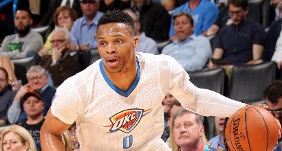 Nba: Curry e Warriors fanno festa, Westbrook show