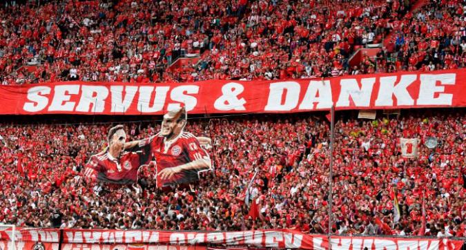 Bayern, addio commosso a Robben e Ribery: le foto